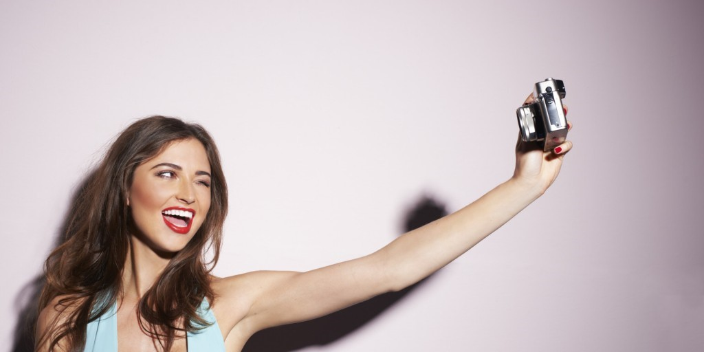 Not just another selfie! Turn your profile pics into perfect pics with our top tips (selfie stick NOT required)
